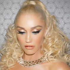 PERFECTION Gwen Stefani   Pinterest: KarinaCamerino