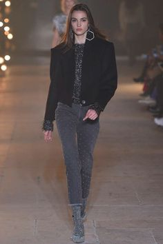 http://www.vogue.com/fashion-shows/fall-2017-ready-to-wear/isabel-marant/slideshow/collection