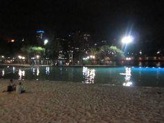Free pool by night, near the Brisbane River.
