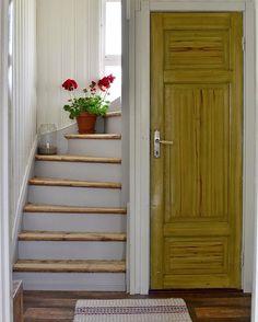House Stairs, Interior Design Mood Board, Bedroom Inspiration Scandinavian, Green Bathroom, Home Reno, Country Interior, Interior Design Trends, Interior Design Living Room, Interior Design