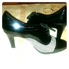 Black& Pin Striped Dress Shoes Size 6 1/2 Excellent condition  Price negotiable Anne Klein Shoes Heels