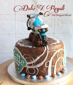 Orange curd sponge with chocolate marzipan, cake topper - BMW 650g chocolate orange cookie decorated by royal icing. dolci-x-regali-da-dragons-wood.blogspot.it
