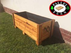 Pallet Furn Furniture and fencing Bloemfontein for all your pallet  furniture needs. We work on orders only and also from our clients own  designs.