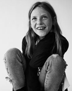 Discover the new ZARA collection online. The latest trends for Woman, Man, Kids and next season's ad campaigns. Little People, Little Ones, Mini Mo, Kids Studio, Becoming Jane, Kids Fashion Photography, Zara Kids, Portrait Inspiration, S Models