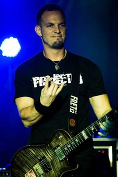 hellyeahmarktremonti:    Credit to the owner!