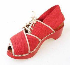 Digitalt Museum - Sko 1940-45 fashion style vintage shoes sandals platform heels red  canvas tie 40s