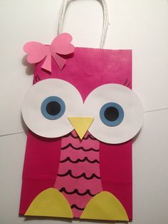 Owl party favor bags by on Etsy Diy Party Loot Bags, Owl Party Favors, Party Gifts, Owl Birthday Parties, Baby Birthday, Owl Crafts, Paper Crafts, Valentine Crafts, First Birthdays