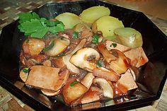 Champignon-Tofu Ragout mit dunkler Schwarztee-Zwetschgen-Soja Sauce
