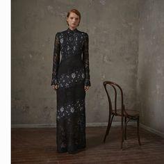 H&M x Erdem : longue robe noire en dentelle
