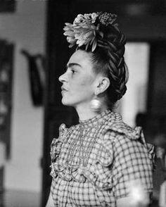 Diego Rivera, Artists Thinking, Frida Inspiration, Frida Kalhor, Sylvia Salmi, Kahlo Rivera, Frida Kahlo, Frida Khalo, Awesome Artists