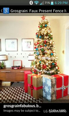Creating A Faux Gift Fence Around Your Christmas Tree To