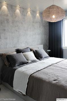 pellavalakanat,dekotuote,makuuhuone,harmaa,harmonia,maalattu seinä,verhot,yöpöydän valaisin,lakanat,petaus,koristetyynyt,pellava,sänky