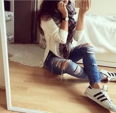 De populairste tags voor deze afbeelding zijn: fashion, girl, adidas, jeans en outfit