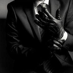 that's so not aesthetic — Kaz Brekker - Dirtyhands, Bastard of the Barrel . Kaz Brekker, Leigh Bardugo, Daddy Aesthetic, Loki Aesthetic, Detective Aesthetic, The Villain, Character Inspiration, Just In Case, Rings For Men