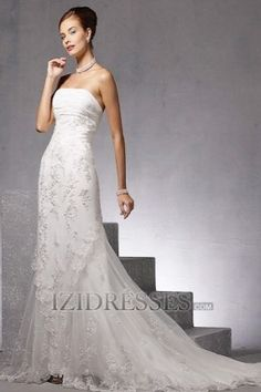 A-Line Strapless Tulle Lace A-Line Wedding Dresses