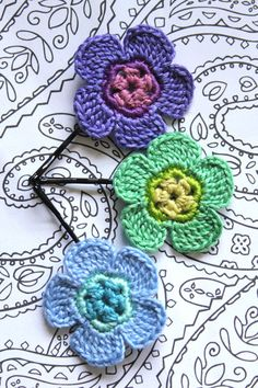 Crochet Daisy Flower Hair Pins COOL SUMMER by CatWomanCrafts, $10.00