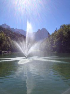 Bayern, Garmisch-Partenkirchen, Riessersee, Fontäne - Bavaria, Garmisch-Partenkirchen, Riessersee, water fountain  www.riessersee.com