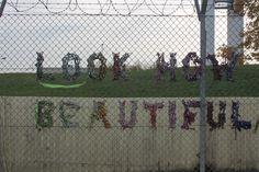 Kunst op hek bij Tempelhof