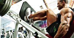Da sich dein Körper im Rahmen der Beinpresse in einer recht stabilen Position befindet, sodass du nicht etwa Gefahr läufst, aus dem Gleichgewicht zu geraten und dich zu verletzen, kannst du im Zuge der Nutzung der unterschiedlichen Beinpressen mit Fußpositionen und Winkelstellungen experimentieren,