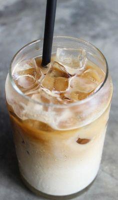 Leckeren Eiskaffee mit veganen Zutaten zubereiten