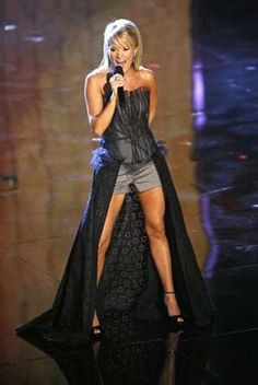 Country Music's Beauty Queen Carrie Underwood