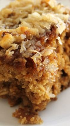 Applesauce Oatmeal Cake Pulse topping ingredients in food processor, leave out milk and put on top before baking Apple Recipes, Baking Recipes, Cake Recipes, Dessert Recipes, Applesauce Recipes, Oatmeal Applesauce Cake Recipe, Applesauce Brownies, Baking With Applesauce, Applesauce Bread