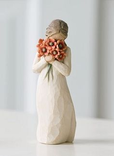Willow Tree® is a line of figurines designed by artist Susan Lordi, from DEMDACO. Every piece is done in a rustic style, and features faceless people and angels Willow Tree Engel, Willow Tree Figuren, Willow Tree Wedding, Orange Poppy, Tree Sculpture, Pottery Sculpture, Clay Sculptures, Collectible Figurines, Seasonal Decor