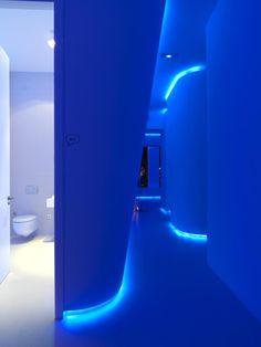 Take From : http://www.minimalisti.com/architecture/interior-design/02/minimalist-office-design-hidrosalud-headquarters.html