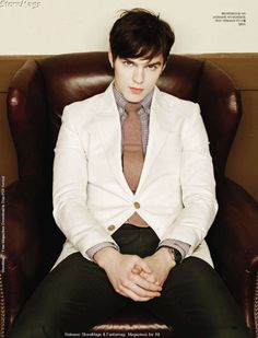 Nicholas Hoult - I have the biggest crush on this guy right now, I can't believe this is the chubby little boy from the About a Boy movie...