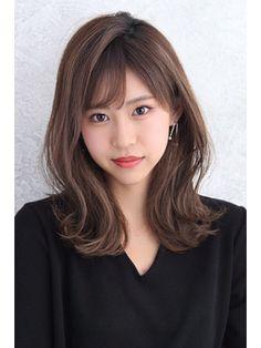 Pin on ヘアスタイル Korean Hair Dye, Korean Hair Color, Medium Hair Cuts, Medium Hair Styles, Long Hair Styles, Korean Hairstyles Women, Hairstyles With Bangs, Japanese Hairstyles, Asian Hairstyles