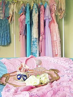 Love the colors! Is that a Quaker lace tablecloth dyed pink?