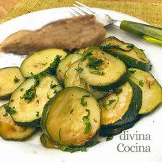 Con esta receta de calabacines al ajillo puedes preparar una deliciosa guarnición de lujo en pocos minutos. Acompañan carnes, pescados o huevos fritos.