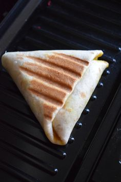 Mini tacos Samosa style recipe of the world Mini Tacos, Samos, Pizza Wraps, Arabian Food, Bagel Recipe, Breakfast Burritos, Iftar, Beignets, Fajitas
