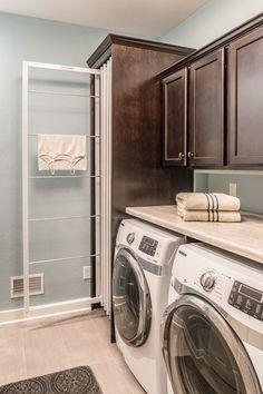 37 Popular Modern Farmhouse Laundry Room Design Ideas - Home Bestiest Laundry Room Remodel, Basement Laundry, Farmhouse Laundry Room, Laundry Room Cabinets, Laundry Room Organization, Laundry Room Design, Diy Cabinets, Organized Basement, Mudroom Laundry Room