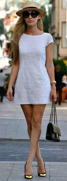 25 Trendy Street Style Dresses for the Summer - Fashion Diva Design Cute Dresses, Casual Dresses, Fashion Dresses, Casual Outfits, Mode Pop, Look Fashion, Womens Fashion, Street Fashion, Spring Fashion