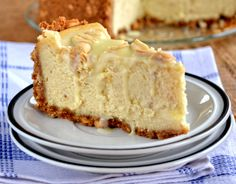 """""""White Michalki"""" cheesecake (a type of chocolate bar) Polish Desserts, Polish Recipes, Homemade Pastries, Food Cakes, Cream Cake, Cake Recipes, Food And Drink, Cooking Recipes, Sweets"""