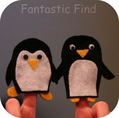 11 Adorable Penguin Crafts for Kids - - Who doesn't love penguins? These adorable birds are quite popular among children, and they'll have a lot of fun with these fun penguin crafts for kids! Felt Penguin, Penguin Craft, Penguin Books, Felt Puppets, Felt Finger Puppets, Hand Puppets, Penguins And Polar Bears, Cute Penguins, Family Crafts