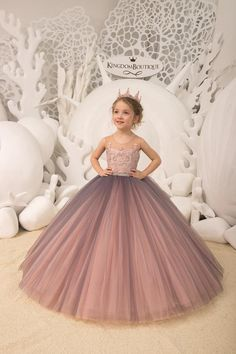 photos flower girl Blush pink and Grey Flower Girl Dress - Birthday Wedding party Bridesmaid Holiday Blush pink Lace Flower Girl Dress Girls Pageant Dresses, Gowns For Girls, Dresses Kids Girl, Girl Outfits, Grey Flower Girl Dress, Lace Flower Girls, Baby Dress, The Dress, Lace Flowers