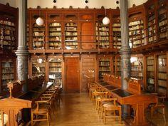 Biblioteca de la Universidad de Zaragoza. Paraninfo. | Flickr: Intercambio de fotos