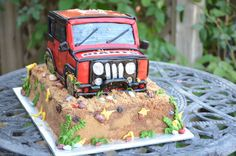Jeep Cake, great idea for a Jurassic park cake!