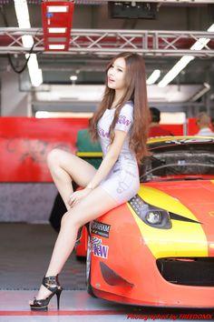 (N)SFW Asian Beauty — koreangirlshd:   Race queen Yeon Ji Eun at Korean...