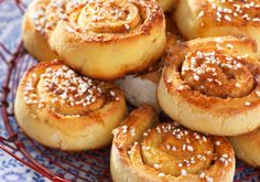 GLUTENFRIE KANELBOLLER: Nystekte, lunkne kanelboller er uimotståelig. Foto: All Over Press Pretzel Bites, Doughnut, Hamburger, Muffin, Food And Drink, Gluten Free, Baking, Breakfast, Desserts