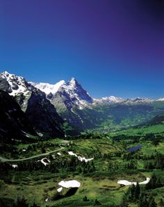 Overview of the Valley of Grindelwald in the Bernese Oberland.