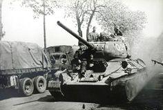 Medium tanks T-34-85 tanks before Berlin Operation, 1945 / czołgi średnie T-34-85 niedługo przed rozpoczęciem Operacji Berlińskiej