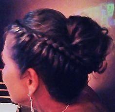 #flaviayukiehairstylist #penteado #penteadodeformatura #formaturafdsm #jantardeformatura #hairstyle #penteadomoderno #trança