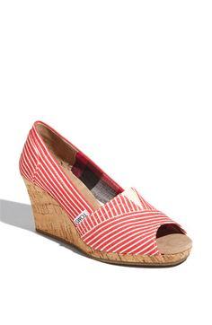 I sooo love fun shoes