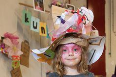 recycle-hoeden maken op de feelgood market in eindhoven
