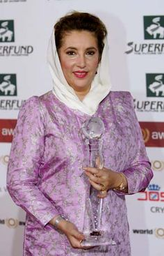 Benazir Bhutto, Pakistani politician who was the first woman leader of a Muslim nation in modern history, serving as prime minister of Pakistan. Pakistan Quotes, Pakistani Culture, Modern History, Great Women, Prime Minister, How Are You Feeling, Graphic Sweatshirt, India, Female