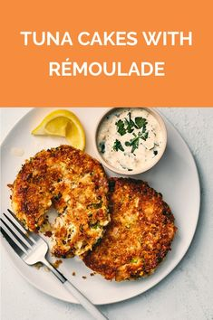 Get the recipe for Tuna Cakes With Rémoulade. Can Tuna Recipes Healthy, Tuna Fish Recipes, Canned Tuna Recipes, Lunch Recipes, Healthy Snacks, Healthy Eating, Cooking Recipes, Healthy Appetizers, Clean Eating