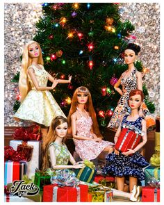Barbie Life, Barbie World, Barbie And Ken, Christmas Barbie, Christmas Fashion, Merry Christmas, Beautiful Barbie Dolls, Vintage Barbie Dolls, Fashion Royalty Dolls